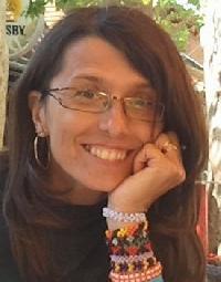 Gabriella Endredi - Hungarian a English translator