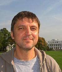 Peter Perlin - angielski > rosyjski translator