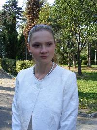 Cordus Iulia - francés a rumano translator