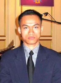 Chaloemphol Preedarat - inglés a tailandés translator