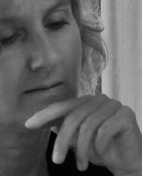 Nina Bekker - English to Dutch translator