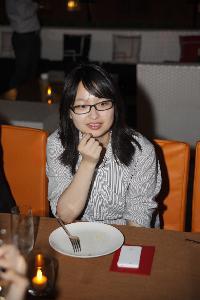 YIYI HUANG - japonés al chino translator