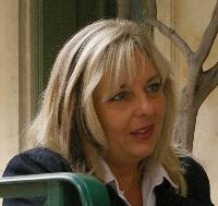 Ilse Van Eylen - French to English translator