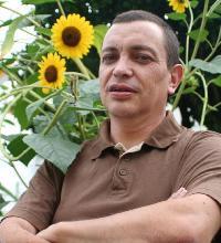 Paulo Caldeira - English to Portuguese translator