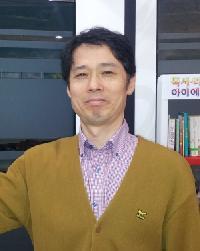 Younggyu Kang - angielski > koreański translator