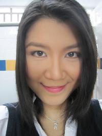 Lola Hua - Chinese to English translator
