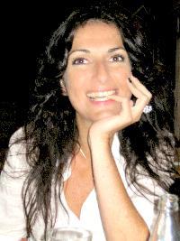 Einat Cooper - English > Hebrew translator