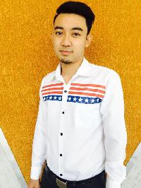 Chakrit Yippikun - inglés a tailandés translator