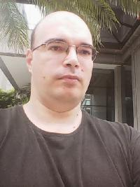 André Schmid - inglés a portugués translator