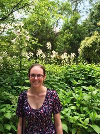Julia Prentice - checo a inglés translator