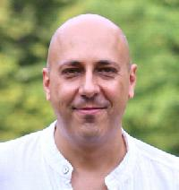 Petr Moczek - English to Czech translator