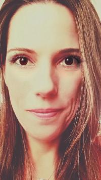 Fabiana Cusin - English to Portuguese translator