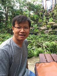 Ekkapol - inglés a tailandés translator