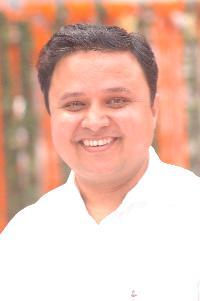 Deependra Pandey - English to Hindi translator