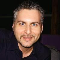 Daniel Onea - rumano a inglés translator
