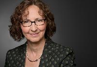 Dr. Cornelia Schmutzler - English to German translator