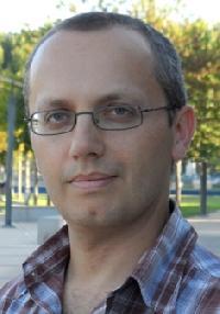 Pedro Lopes - English to Portuguese translator