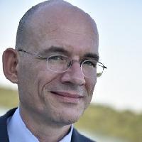Arie Uittenbogaard - inglés a neerlandés translator