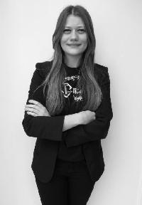 Christina Zikou - francuski > grecki translator